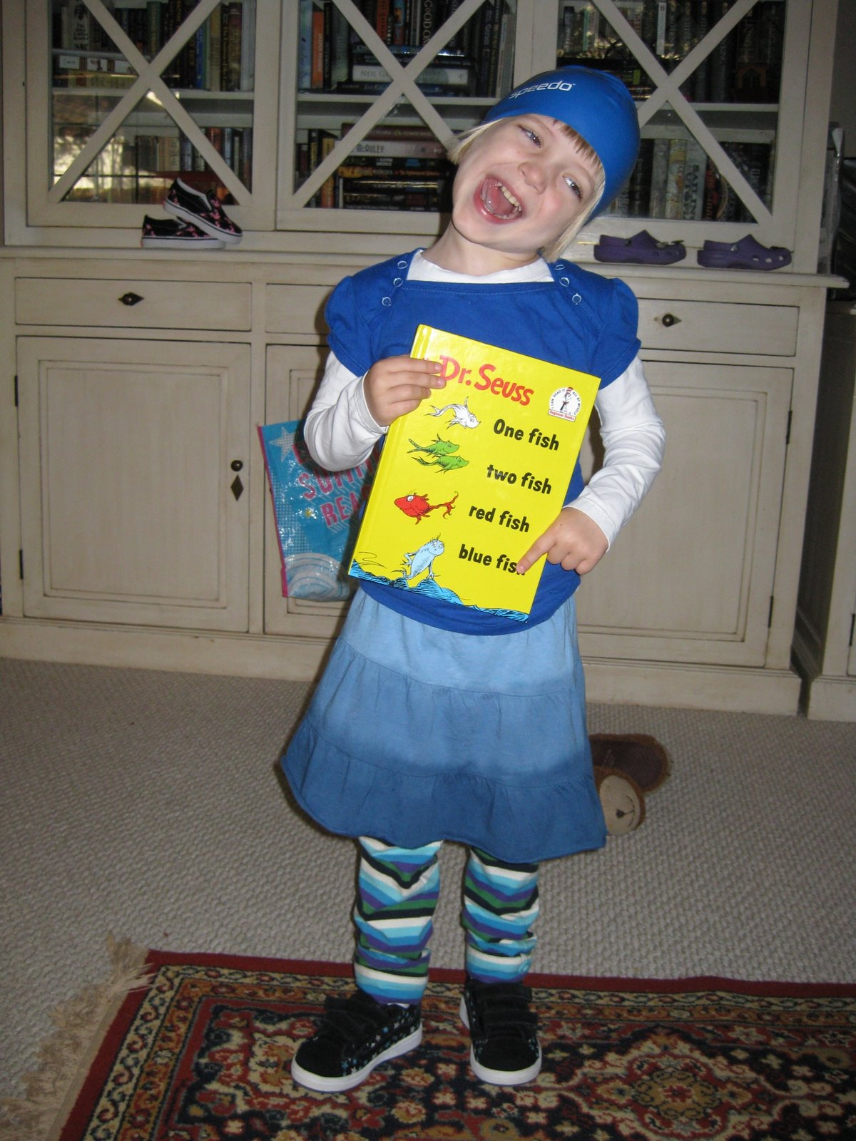 Dr seuss costume ideas for one fish two fish for One fish two fish red fish blue fish costume